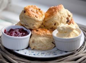 Cream Tea und wie man ihn in Cornwall geniesst.