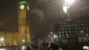 Schneechaos – 15 cm Schnee und der Verkehr in Grossbritannien steht still.