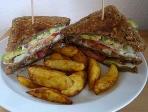 Ein weltweit beliebter Snack – das Club Sandwich