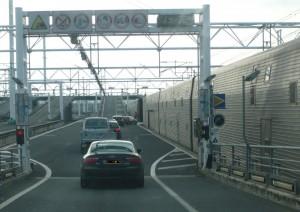 Warum der Eurotunnel unschlagbar ist und die Belgier kein Auto fahren können.