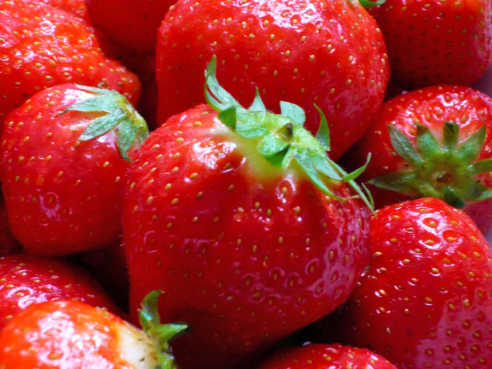 erdbeeren schneiden selphiescorner rezept erdbeer apfel. Black Bedroom Furniture Sets. Home Design Ideas