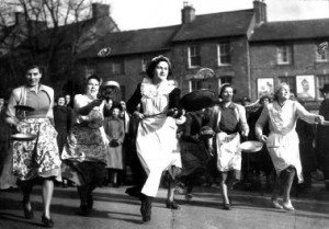 Englische Tradition am Pancake Tuesday – The Pancake Race