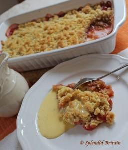 Ein beliebtes britisches Dessert – Rhabarber Crumble